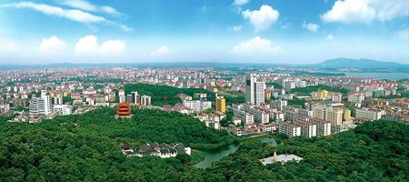 岳阳风景秀丽,物产丰富,当地主要特产有:华容芥菜,君山银针茶